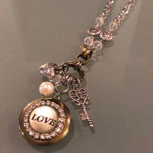 Jewelry - New LOVE Pendant Necklace Earrings Set Key Heart